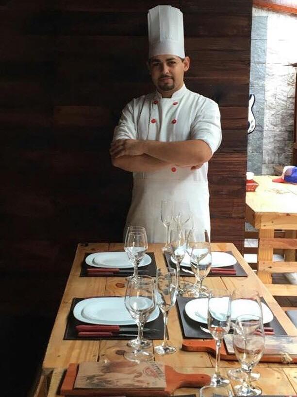 Chef Weverton Cordeiro ministra workshop na loja Exclusiva Utilidades | Foto: Divulgação