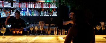 Especializado em gim, Zimbro abre em Goiânia | Foto: Luísa Gomes/Mais Cinco