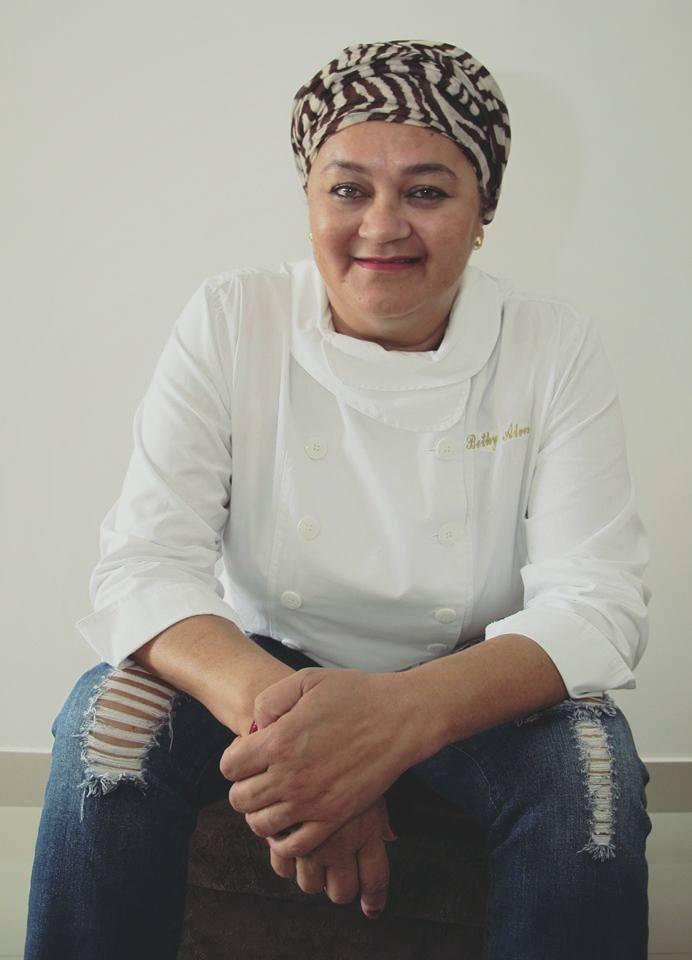 Chef Bethynha Alves é uma das mulheres de destaque da gastronomia goiana | Foto: Arquivo Pessoal
