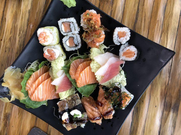 Combinado de sushi e sashimi integra festival de comida japonesa do Kanpai Blue | Foto: Luísa Gomes/Mais Cinco
