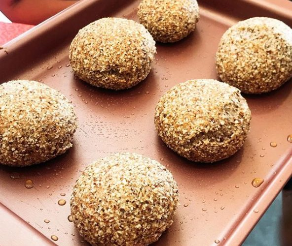 Pão de amêndoas é uma das receitas que serão ensinas em curso de culinária low carb de Karine Carrijo   Foto: Karine Carrijo