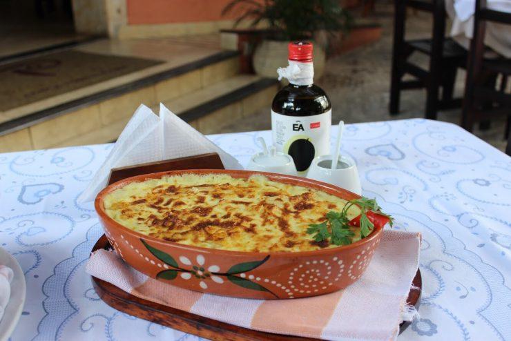 Restaurante de comida portuguesa, o Porto Cave tem funcionamento especial para a Semana Santa em Goiânia | Foto: Divulgação