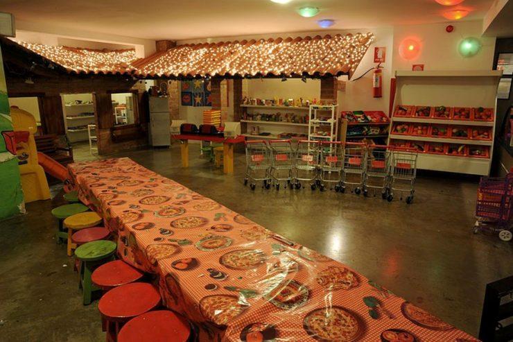 Crianças podem fazer suas próprias pizzas na Fabbrica di Pizza em Goiânia | Foto: Divulgação