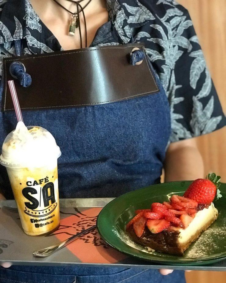 Opções de cafés gelados e lanches estão no cardápio do Café S/A | Foto: Divulgação