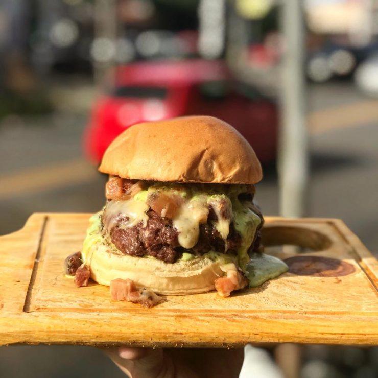 Burger com queijo raclette é opção do Bulls Hmaburgueria | Foto: Divulgação