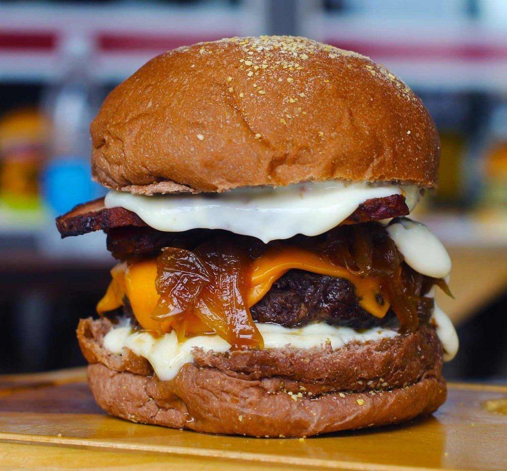 Hamburgueria Bull tem opções variadas de hambúrguer gourmet em Goiânia | Foto: Divulgação