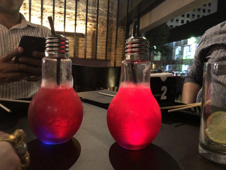 Drinks são destaque na carta de bebidas do Taji | Foto: Luísa Gomes/Mais Cinco