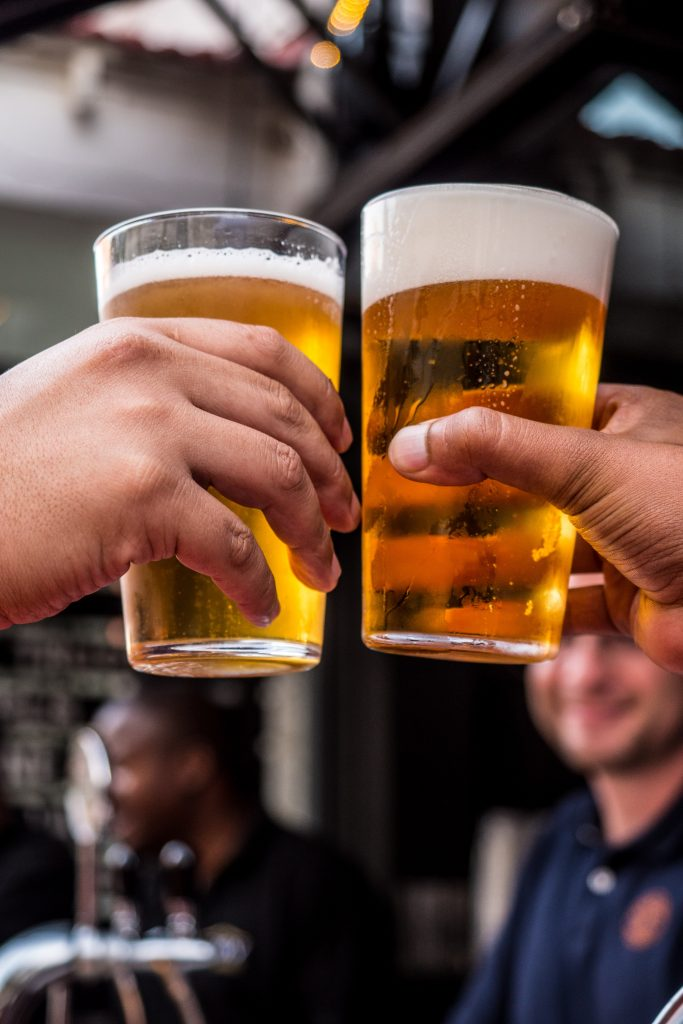 Bares e restaurantes preparam eventos e cerveja gelada para a Copa do Mundo 2018
