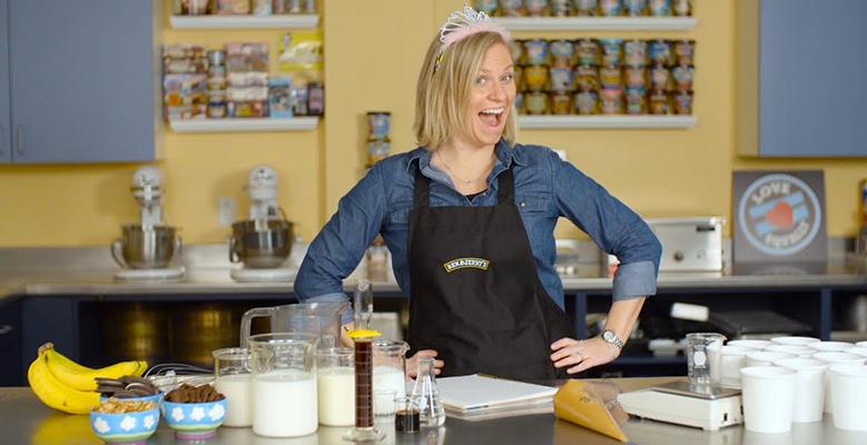 Kirsten Schimoler elaborou as receitas de sorvetes sem lactose para a Ben & Jerry's | Foto: Divulgação/Ben&Jerry's
