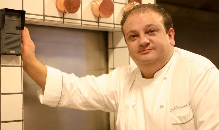 Chef Erick Jacquin realiza cook show na inauguração do Oba Hortifruti em Goiânai