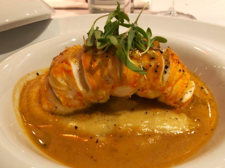 Lagosta servida no Magana: comida francesa em Goiânia | Foto: Luísa Gomes/Mais Cinco