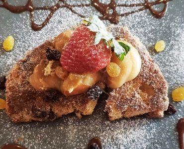 Rabanada de panetone ou chocotone do restaurante Moony em Goiânia   Foto: Juliana Carnevalli