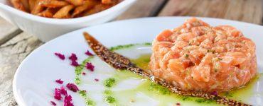Tartar de salmão: aprenda a preparar essa versão da receita | Foto: Divulgação/Comitê Umami