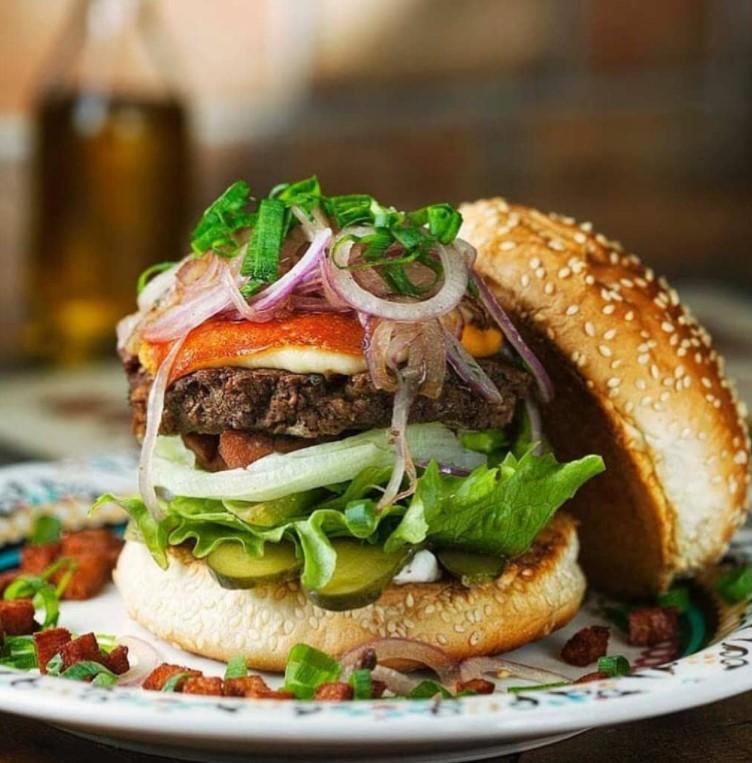 O Bottega Dell'Art é um dos pioneiros em hambúrguer vegetariano em Goiaânia | Foto: Divulgação