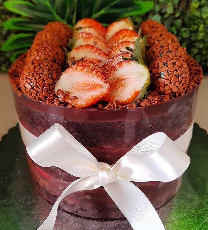 Gi Cupcake trabalha com opções de naked cake em Goiânia