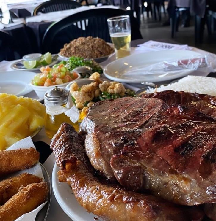 Sabores brasileiros em Goiânia no restaurante 1008