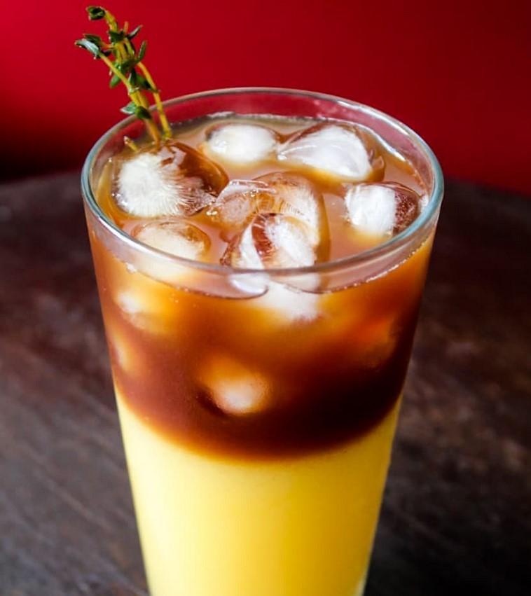 Bandeira Café trabalha com opções de café gelado em Goiânia
