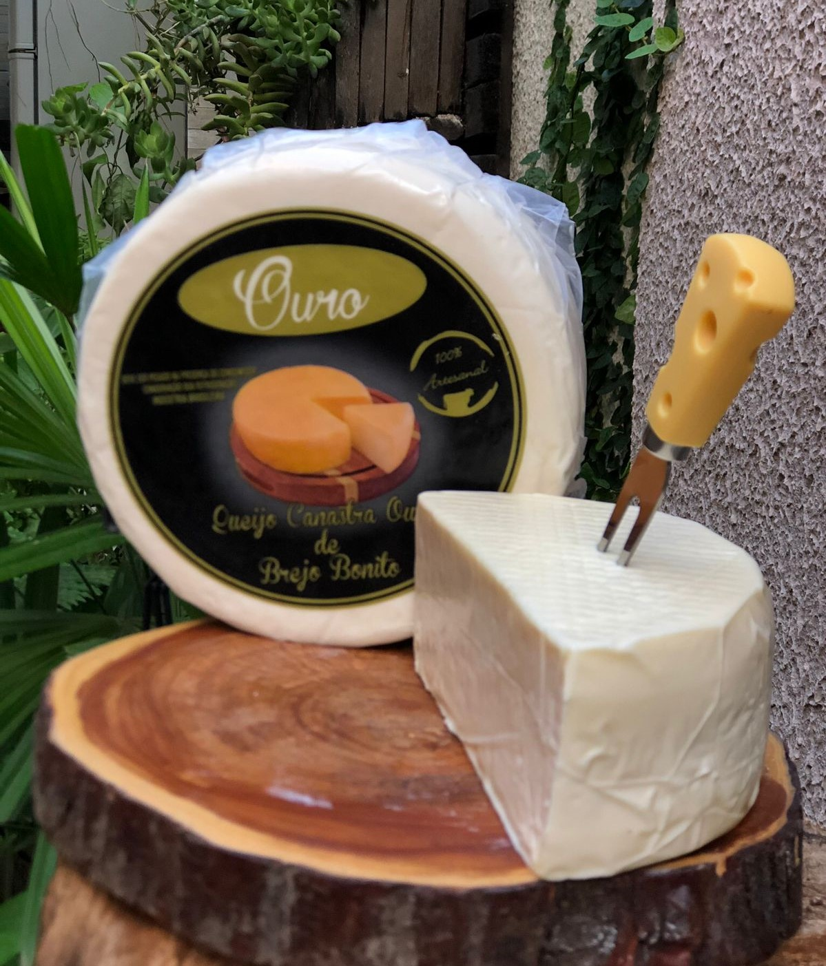 Queijo Canastra da Central dos Queijos, opção entre as queijarias em Goiânia
